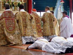 Tradicionālās ordinācijas, 2010. g. (New Liturgical Movement)
